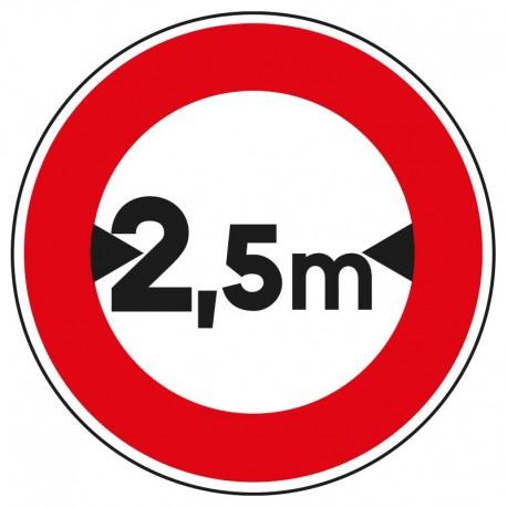 Interdit aux véhicules dont la largueur est supérieure à 2,5m