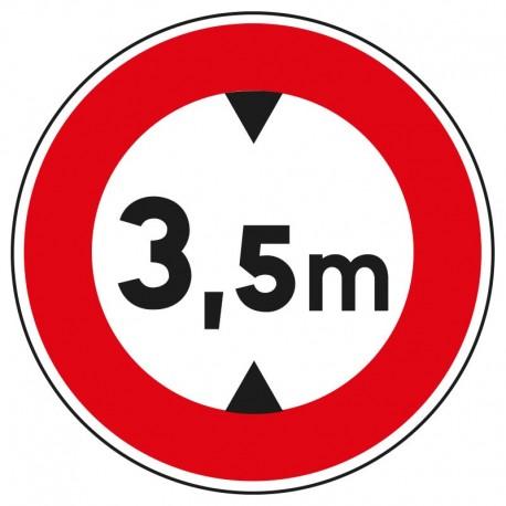 Interdit aux véhicules dont la hauteur est supérieure à 3,5m
