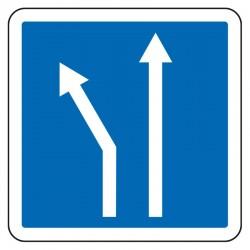 Une des deux voies part à gauche ou à droite