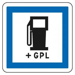 Station service ouverte 24/24 avec GPL