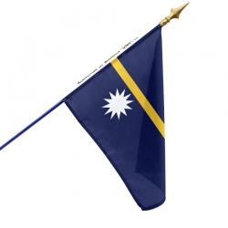 Drapeau Nauru en tissu monté sur hampe à acheter