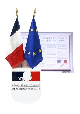 Ecusson et drapeaux